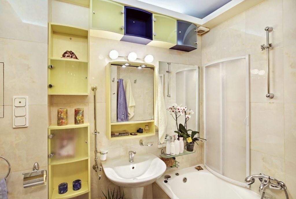 Modern Bathroom - iStock_000014050450_Medium