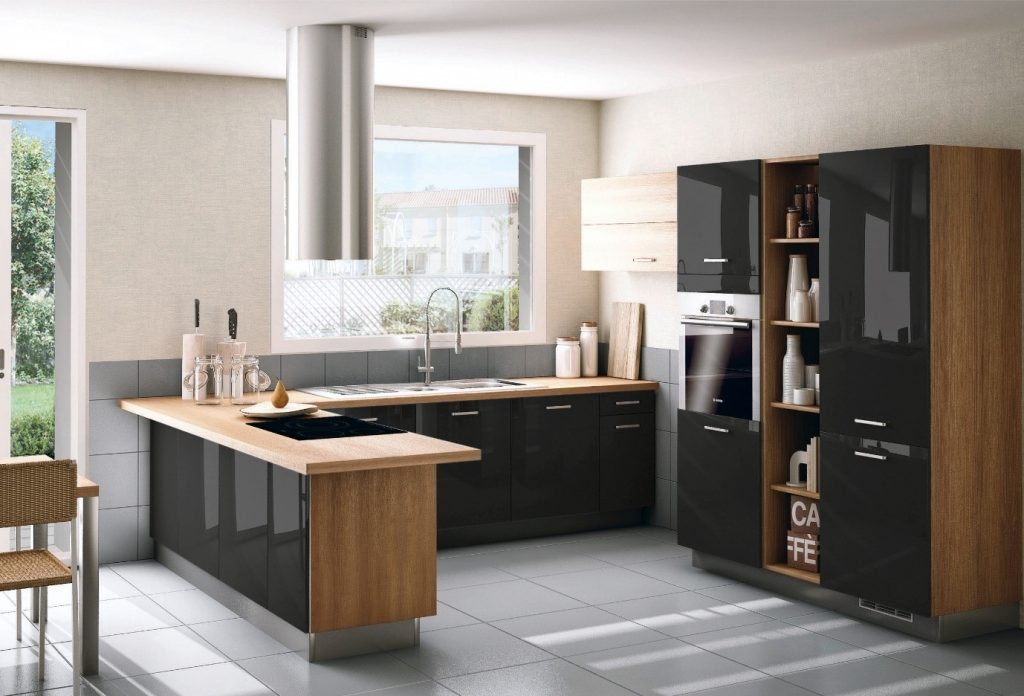 A G-shaped kitchen